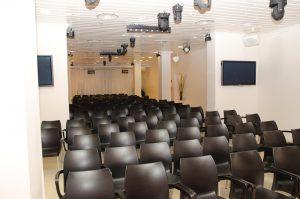 האולם