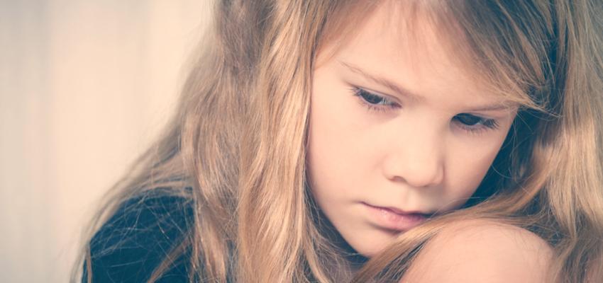 האם סגנון הקשר המשפחתי יכול לנבא חרדה חברתית